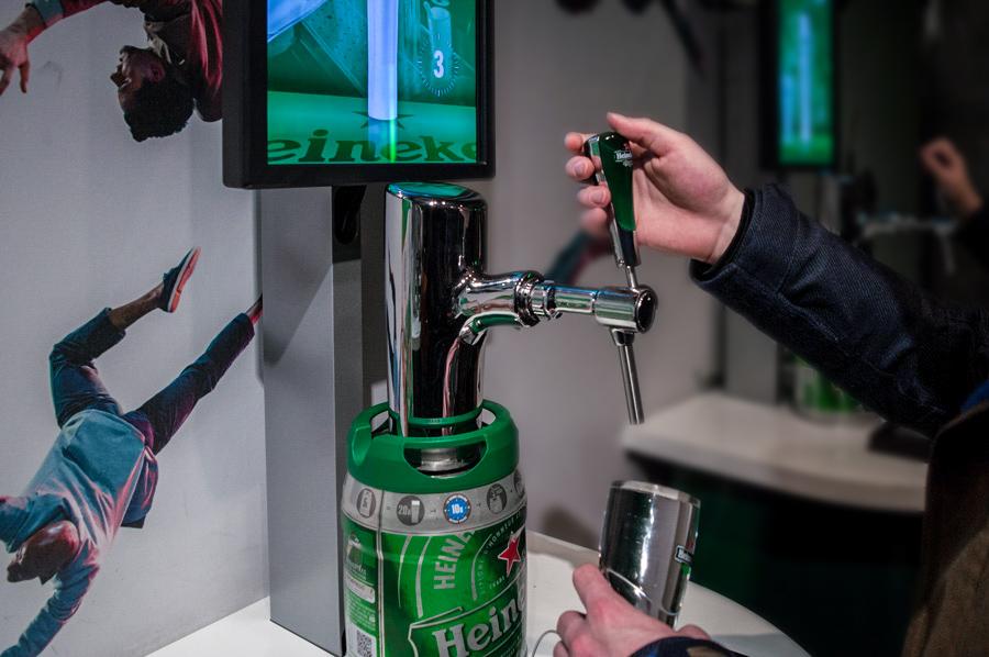 Virtual beer pouring, Heineken Experience Amsterdam
